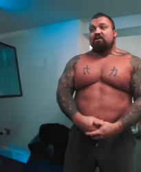 Strongman Eddie Hall talking about CRYONiQ cryotherapy chamber